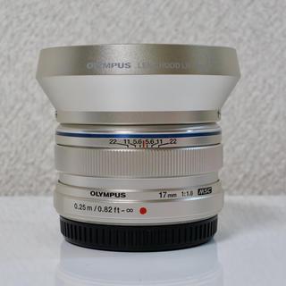 オリンパス(OLYMPUS)のオリンパス MZUIKO DIGITAL 17mm F1.8 シルバー フード(レンズ(単焦点))