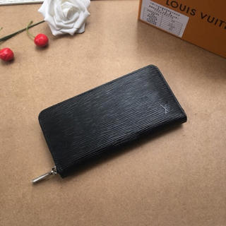 LOUIS VUITTON 財布