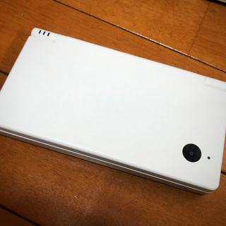 ニンテンドウ(任天堂)のNintendo DS 本体 ニンテンドー DSI WHITE(携帯用ゲーム機本体)