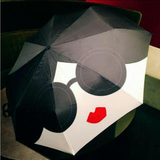 アリスアンドオリビア(Alice+Olivia)の⭐️ 日本未発売⭐️台湾限定⭐️alice+olivia×VOGUE傘⭐️(傘)
