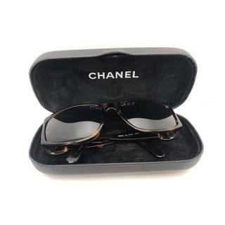 シャネル(CHANEL)のA101 CHANEL シャネル サングラス ブラウン ケース付き(サングラス/メガネ)