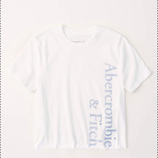 アバクロンビーアンドフィッチ(Abercrombie&Fitch)のグリッターロゴグラフィックTシャツ(Tシャツ(半袖/袖なし))