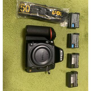 Nikon - D750