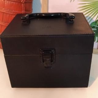 Yves Saint Laurent Beaute - YSL メイクボックス