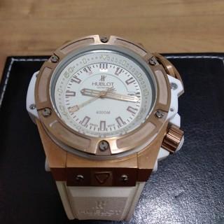 【超激極美品】ウブロ、ワンプッシュ式かなりごっついホワイトの自動巻腕時計BOX付