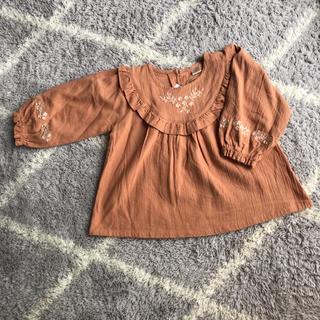 プティマイン(petit main)のテータテート 刺繍ブラウス(Tシャツ/カットソー)