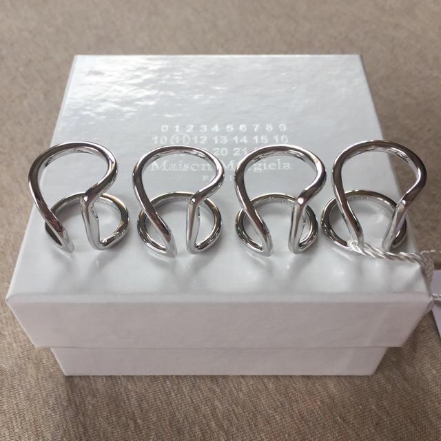 Maison Martin Margiela(マルタンマルジェラ)の18AW新品 メゾン マルジェラ 4連リング 指輪 シルバー UNI リング メンズのアクセサリー(リング(指輪))の商品写真