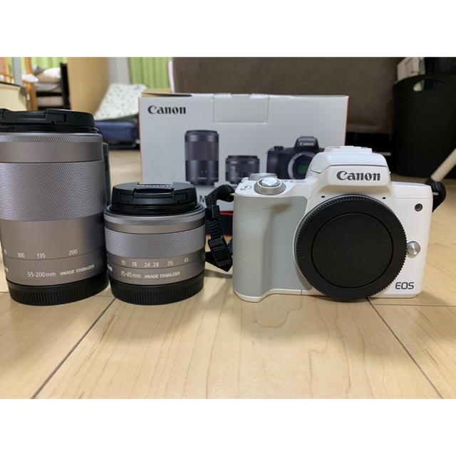 Canon(キヤノン)の蒼さん専用【美品箱あり】Canon EOS Kiss M ダブルズームキット スマホ/家電/カメラのカメラ(ミラーレス一眼)の商品写真