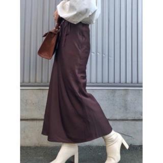 ローリーズファーム(LOWRYS FARM)の新品【LOWRYS FARM】サテンマーメイドスカート(ロングスカート)