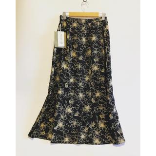 ザラ(ZARA)のロングスカート 花柄 黒 ワッフル 春夏 m 9号フレアスカート 新品 レトロ(ロングスカート)