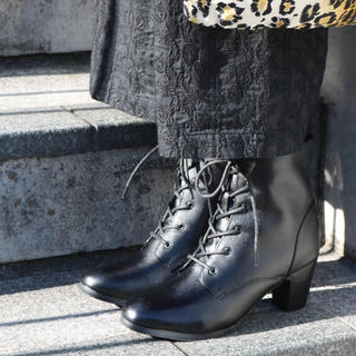 アルファキュービック(ALPHA CUBIC)の【美品】本革 レースアップショートブーツ(6.4cmヒール)(ブーツ)