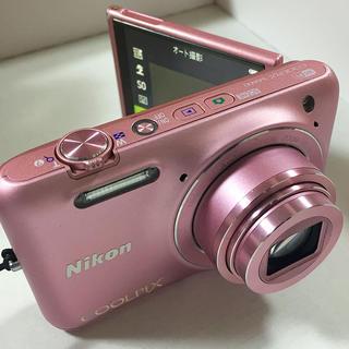 ニコン(Nikon)のデジタルカメラ 自撮り Nikon S6600 ピンク Wi-Fi対応(コンパクトデジタルカメラ)
