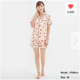 ジーユー(GU)のGU♡サテンパジャマ♡いちご柄♡(パジャマ)