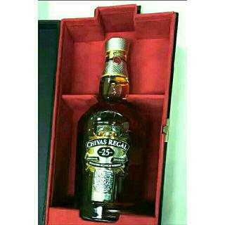レア物スコッチウイスキー (シーバスリーガル25年) 未開封 豪華化粧箱付 激安(ウイスキー)