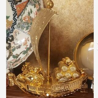 黄金の船(置物)
