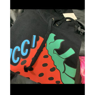 グッチ(Gucci)のGUCCI いちごパーカー ブラック レア(パーカー)