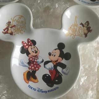 ディズニー(Disney)の『新品未使用』ディズニーランド限定☆スーベニア☆ミッキー型お皿☆3枚(キャラクターグッズ)