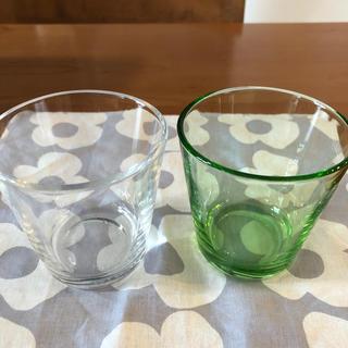 イッタラ(iittala)のイッタラ  カルティオ クリアとグリーン2個セット(グラス/カップ)