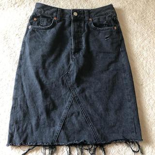 エイチアンドエム(H&M)のデニムスカート(ひざ丈スカート)