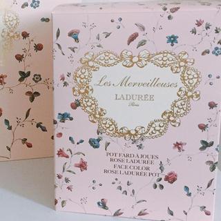 レメルヴェイユーズラデュレ(Les Merveilleuses LADUREE)のラデュレ チークポット 箱(ショップ袋)