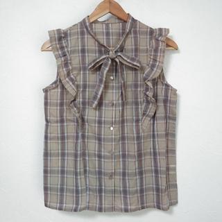 しまむら - 新品 しまむら チェック柄シャツ フリル リボン トップス M