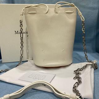 マルタンマルジェラ(Maison Martin Margiela)のマルジェラ バケットバッグ tabi バッグ ショルダー ホワイト(ショルダーバッグ)