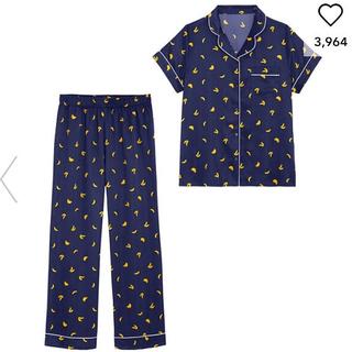 GU - サテンパジャマ(半袖)(バナナ) ネイビー Mサイズ 新品未使用