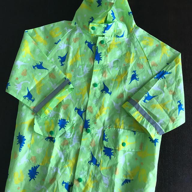 男の子 レインコート キッズ 恐竜柄 100cm キッズ/ベビー/マタニティのこども用ファッション小物(レインコート)の商品写真