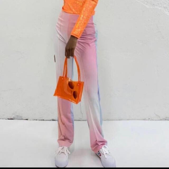 Cath Kidston(キャスキッドソン)のチェリー ビニールポーチ レディースのバッグ(トートバッグ)の商品写真