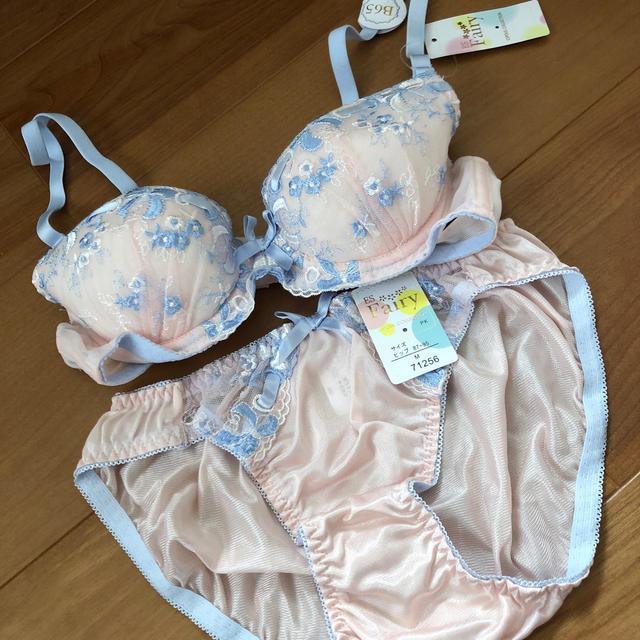 しまむら(シマムラ)の新品下着セット レディースの下着/アンダーウェア(ブラ&ショーツセット)の商品写真
