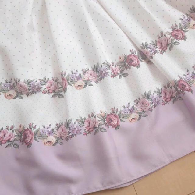 tocco(トッコ)の新品タグ付き♡トッコ フラワー柄スカート レディースのスカート(ひざ丈スカート)の商品写真