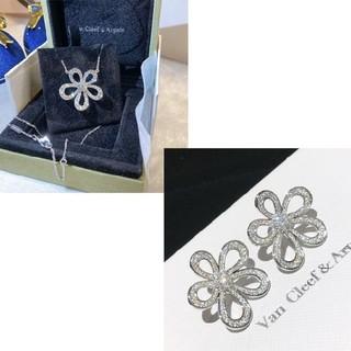 ヴァンクリーフアンドアーペル(Van Cleef & Arpels)の人気商品Van Cleef & Arpels ネックレス、ピアス(ピアス)