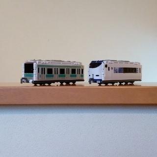 バンダイ(BANDAI)のBANDAI VooV(ブーブ) 変身できる車両のおもちゃ 2両セット(電車のおもちゃ/車)