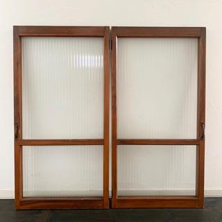 モールガラス使用のレトロな古い木枠開戸(その他)