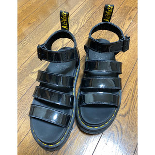 Dr.Martens - Dr.Martens Blaire ブラックパテントサンダル(24cm)
