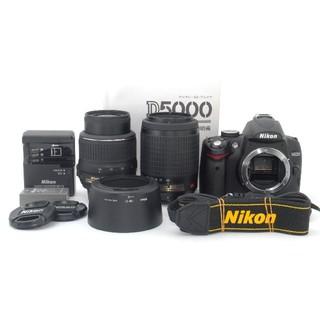 ニコン(Nikon)のS回数2412回♪自撮りも可能♪Nikon D5000 ダブルレンズキット(デジタル一眼)