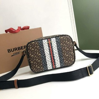 BURBERRY - ボディーバッグショルダーバッグ Burberry  ベルサーチ