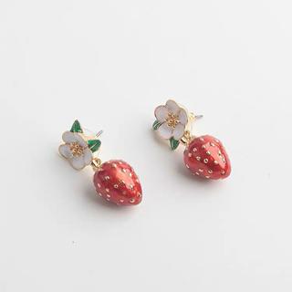 kate spade new york - 新品♡ケイトスペード 苺 イチゴ ピアス