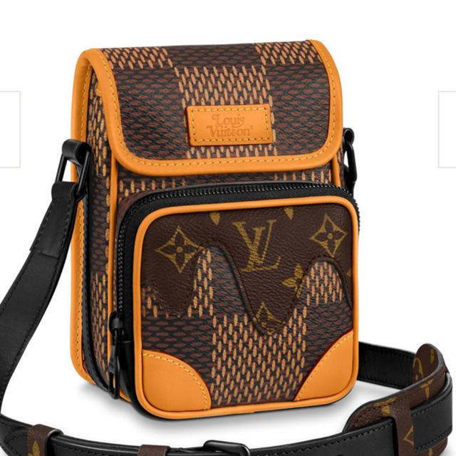 LOUIS VUITTON(ルイヴィトン)のLOUIS  VUITTON  NIGO メンズのバッグ(ボディーバッグ)の商品写真