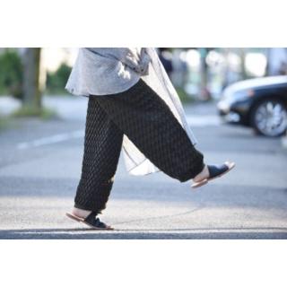 ドゥルカマラ(Dulcamara)の求❗️Ka na ta プリーツパンツ かなた pleats pants(スラックス)