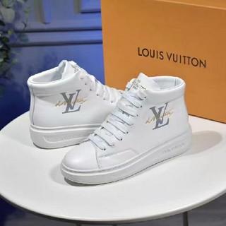 LOUIS VUITTON - 多くの人が感心している LOUIS  ルイヴィ スニーカー