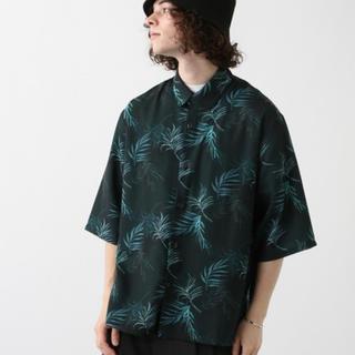 ハレ(HARE)のリゾートフラワーシャツ(シャツ)