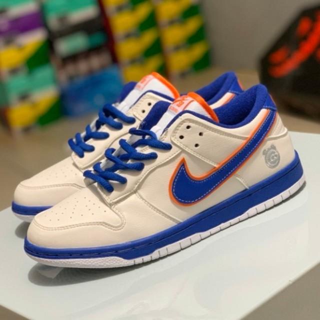 NIKE(ナイキ)の27cm Nike SB Dunk Low メンズの靴/シューズ(スニーカー)の商品写真