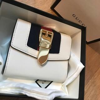 Gucci - グッチ シルヴィ 折り財布