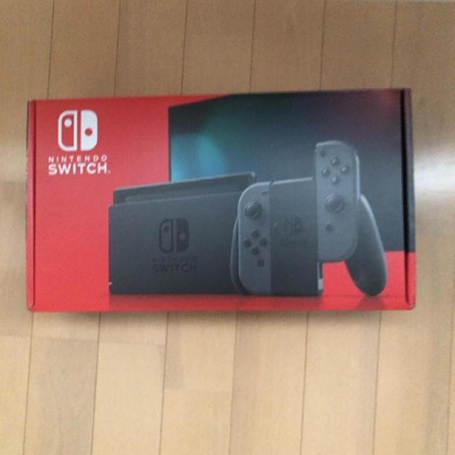 Nintendo Switch(ニンテンドースイッチ)のNintendo Switch 本体  グレー エンタメ/ホビーのゲームソフト/ゲーム機本体(家庭用ゲーム機本体)の商品写真