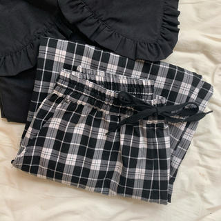 SPINNS - ❤︎ check pants ❤︎