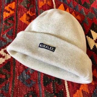 コモリ(COMOLI)の美品 オーラリー ヘビーリブ コットン ニットキャップ トップグレー(ニット帽/ビーニー)