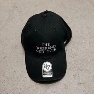 コモリ(COMOLI)のWEEKEND キャップ ブラック ウィークエンド 黒 帽子 BLACK(キャップ)