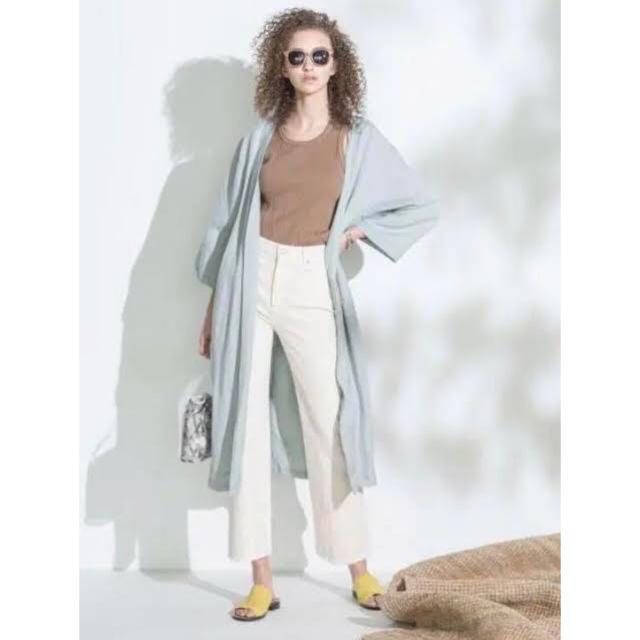 Mila Owen(ミラオーウェン)の《新品タグ付き》ミラオーウェン ベルト付きサイドスリットリネンガウン レディースのジャケット/アウター(ガウンコート)の商品写真