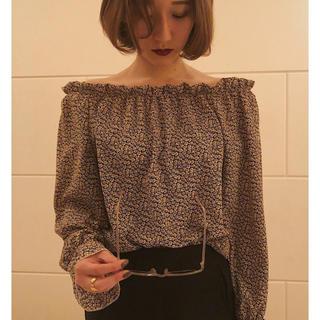 ビューティアンドユースユナイテッドアローズ(BEAUTY&YOUTH UNITED ARROWS)のpapermoon off-shoulder blouse(シャツ/ブラウス(長袖/七分))